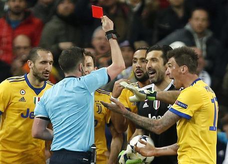 Champions: minacce a moglie Oliver, arbitro Real Madrid-Juve  680caba0bcef74e1cc535c62e431fcd6
