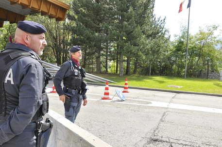 Bloccato furgone proveniente dalla Francia: trasportava esplosivo