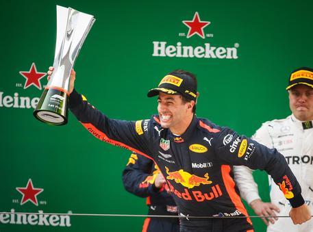 Gp Cina, Ricciardo timbra la prima vittoria$