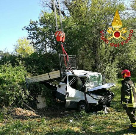 Furgone fuori strada sulla Terni - Rieti | 6 feriti, 3 sono gravi
