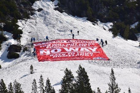 La protesta degli estremisti di destra francesi al confine italiano