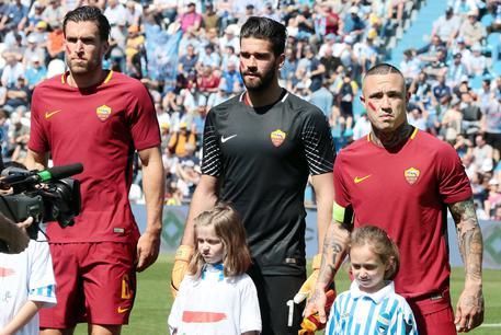 Calcio: Serie A, segno rosso sul viso contro violenza donne © ANSA