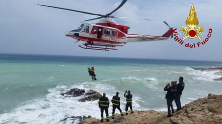 Catania, due turisti salvati sugli scogli$