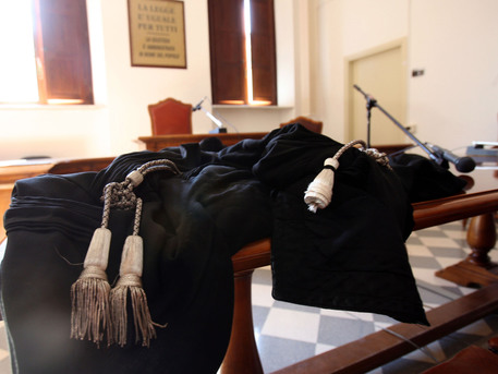 Massa Carrara: rinviato a giudizio vescovo diocesi