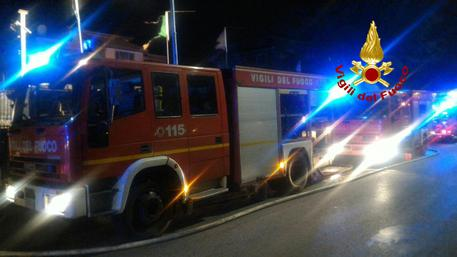 Ladispoli: tre giovani attraversano i binari, uno muore travolto da un treno