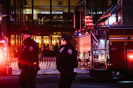 Incendio a 50° piano Trump Tower: 1 morto