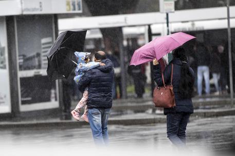 Meteo, maltempo al Centro-Sud: forti venti e neve