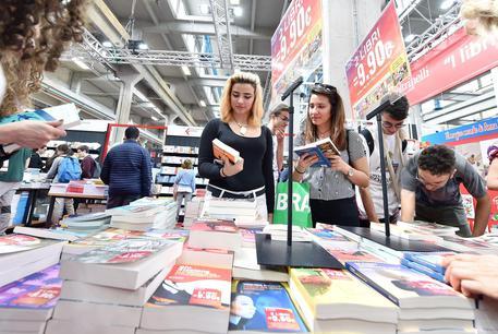 Gran Tour Salone Libro a Torino e Genova - Libri - ANSA