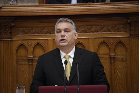 Ungheria, aiutare migranti illegali diventerà reato