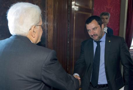 President Sergio Mattarella meets Salvini © EPA