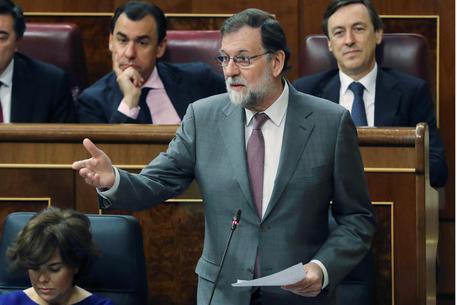 Spagna, Rajoy sfiduciato: Sanchez nuovo premier