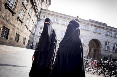 La Danimarca vieta il velo islamico integrale negli spazi pubblici