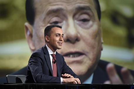 Di Maio, ok premier terzo con Lega ma via Berlusconi