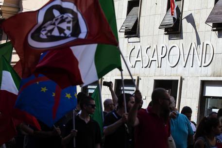 Bandiere di CasaPound © ANSA