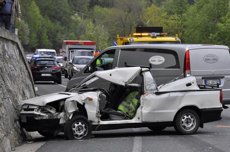 Incidente stradale Gignod (Aosta) © ANSA