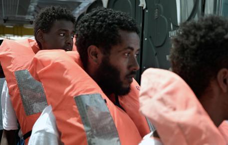 Migranti, Francia e Italia vogliono fermarli.