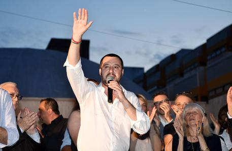 Estate: Salvini, fate le vacanze in Italia