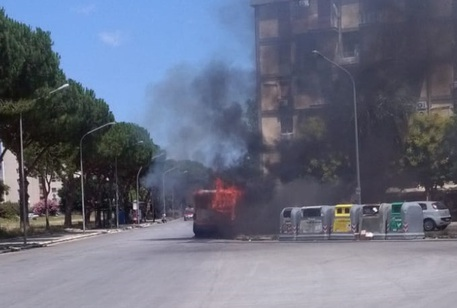 Palermo, in fiamme autobus Amat$