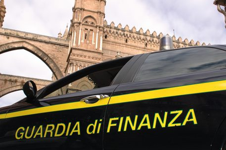 Mafia: arrestato Corona 're' riciclaggio