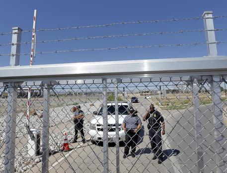 Bimbi migranti abusati in centri di raccolta, 125 denunce