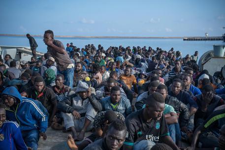 Nuovo naufragio di migranti in Libia: 114 dispersi