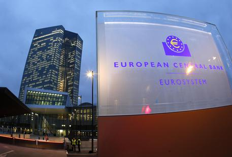 Bce: uscita da Qe da gennaio, ma serve ancora stimolo