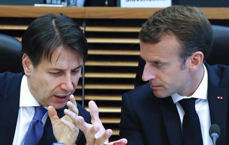 Accordo migranti, scontro tra Conte e Macron