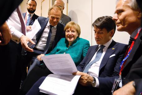 Migranti. E' già caos sull'accordo. Gelo tra Conte e Macron