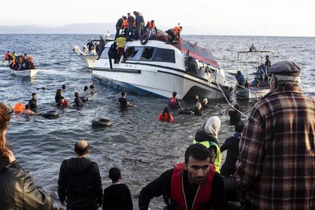 Naufragio nell'Egeo: 9 morti, 6 sono bimbi