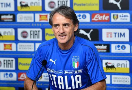 Mancini eroe per un giorno: soccorre un'anziana investita
