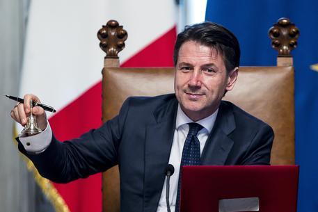 Domani la fiducia al Senato. Interverrà anche Matteo Renzi