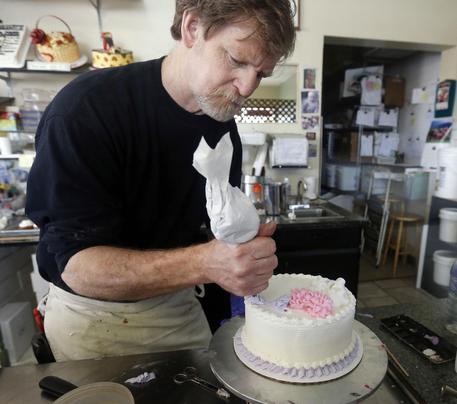 Niente torta per le nozze gay: la Corte dà ragione al pasticciere