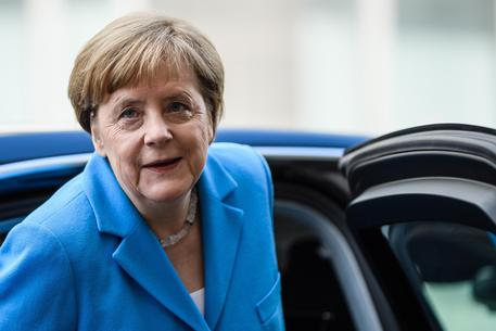Germania, Seehofer e l'ultimatum alla Merkel: