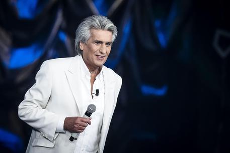 Toto Cutugno vittima di un malore, annullato un concerto