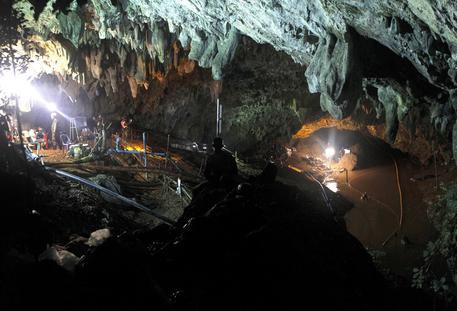 Thailandia: grotta, 11 ore per tragitto