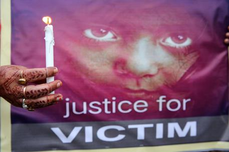 India, bambina di 4 anni stuprata da 5 uomini in ospedale