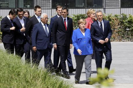 Bruxelles, Trump minaccia l'uscita dalla Nato. Lo riferiscono fonti tedesche