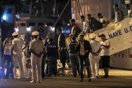 Migranti: nave Diciotti, finita attesa, sbarcati © ANSA
