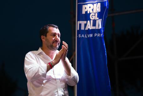 Atto vandalico alla Festa della Lega, minacce e scritte ingiuriose contro Salvini