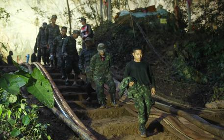 Thailandia, è di 11 ore il tragitto grotta. Si cercano altri ingressi