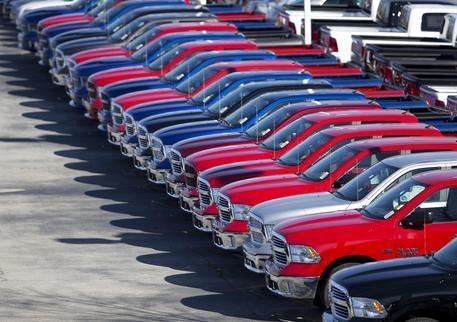 Mercato auto in calo, pesa l'incertezza sui diesel