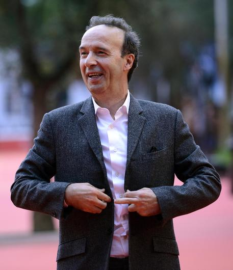 Incidente in mare per Roberto Benigni. Ricoverato in ortopedia a Sassari