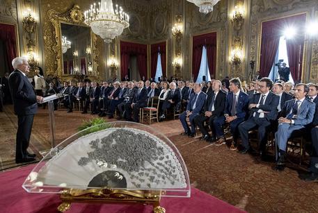 Monito Mattarella: 'L'Italia non sia Far West, è barbarie'