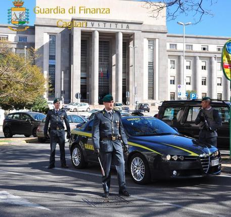 Gdf: intascano fondi Ue, tre indagati