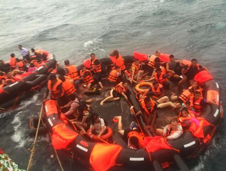 Naufragio a Phuket, sale a 40 il bilancio delle vittime