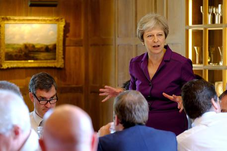Soft Brexit, Theresa May convince i ministri
