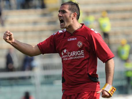 Cristiano Lucarelli è il nuovo allenatore del Livorno: la nota del club