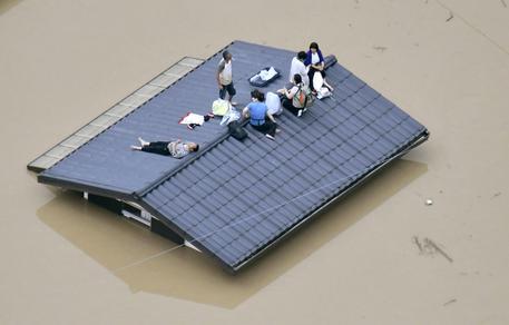Giappone, decine di morti per le alluvioni: ordinata evacuazione. Hiroshima in ginocchio