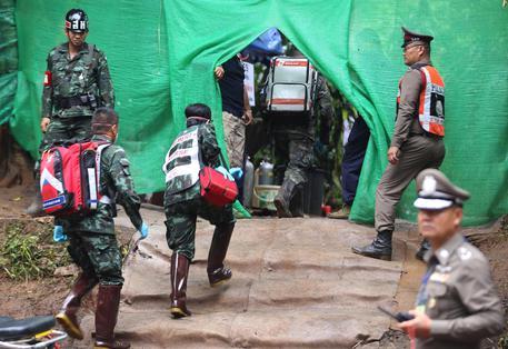 Thailandia: in salvo tutti e 12 i ragazzi e il coac