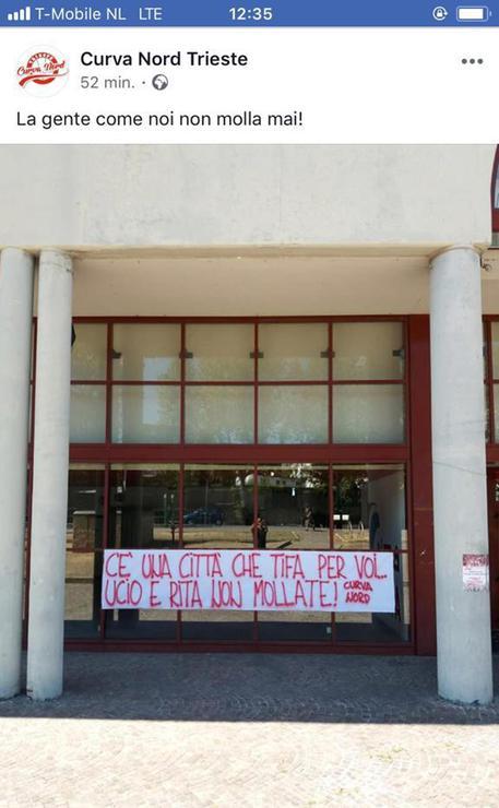 Crollo ponte: striscione a Trieste, città tifa per voi - Friuli ...